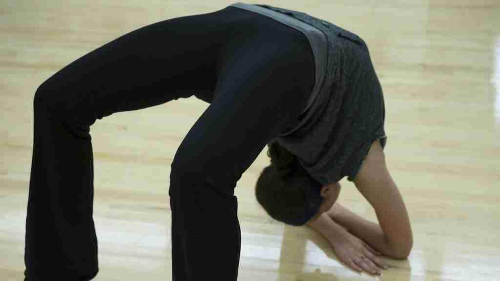 flexy loans flexible girl doing exercises